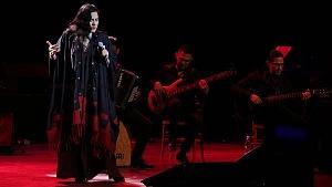 cantante y compositora María Inés Ochoael en el debut de La Rumorosa en el Teatro de la Ciudad 7