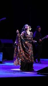 cantante y compositora María Inés Ochoael en el debut de La Rumorosa en el Teatro de la Ciudad 8