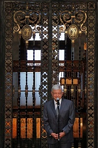 Andrés Manuel López Obrador presidente electo de México en conferencia de prensa en Palacio Nacional 3
