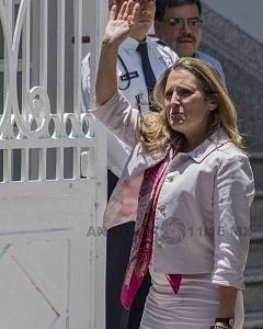 Chrystia Freeland ministra de Relaciones Exteriores de Canadá se reunió con Andrés Manuel López Obrador presidente electo de México 1