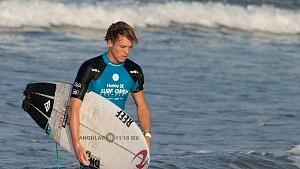 Hurley Surf Open Acapulco 2018 participante licra azul Playa revolcadero
