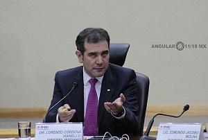 Lorenzo Córdova Vianello consejero presidente del INE en la sesión del 1 de julio 2018 en el reporte del conteo de votos