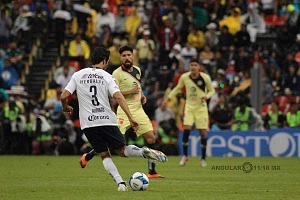América empata con los Pumas de ultimo momento 2-2 en la jornada 7 del torneo de liga apertura 2018 jugador de Pumas numero 3 Arribas