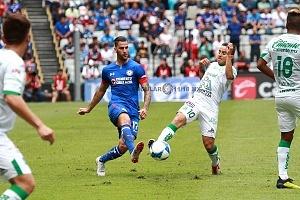 CRUZ AZUL mantiene lo invicto al vencer a la Fiera del LÉON 3 a 0 en la jornada 5 del torneo de la Liga MX apertura 2018 1