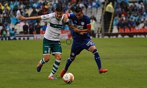 Cruz Azul le Gana en el Torneo de Copa al Zacatepec 2-0 en el Estadio Azteca