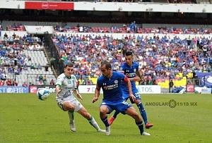 Cruz Azul mantiene lo invicto al vencer al LÉON 3 a 0 en la jornada 5 del torneo de la Liga MX apertura 2018 11