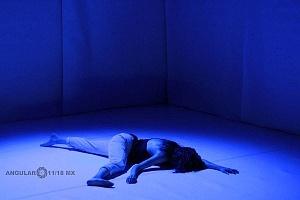 El proyecto de danza contemporánea MO+ presenta Amorfa interpretada por Melva Olivas