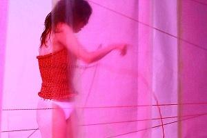 El proyecto de danza contemporánea MO+ presenta Amorfa interpretada por Melva Olivas 8