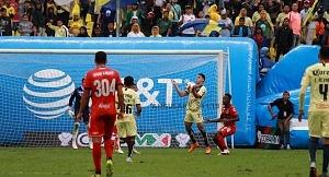 Las Águilas del América vencen 3-0 a los Tiburones rojos de Veracruz