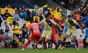 Las Águilas del América vencen 3-0 a los Tiburones rojos de Veracruz en la jornada 2 de la liga MX Estadio Azteca