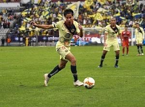 Las Águilas del América vencen 3-0 a los Tiburones rojos de Veracruz en la jornada 2 de la liga MX estadio azteca 1