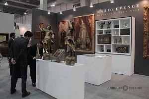 Stands de antiguedades en la Sala de Exposción Zona Maco