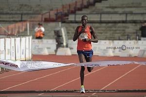 Tikus Eriku rompió el record del maratón de la ciudad de México 2018 llegando a la meta