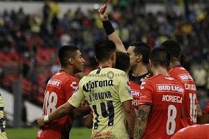expulción del jugador de Veracruz con el # 308, Raymundo de Jesús frente al América