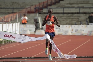 keniata Tikus Eriku ganador de la edición XXXVI del Maratón de la Ciudad de México 1