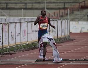 primer lugar femenil del Maratón de la Ciudad de México 2018 la etíope Etaferahu Woda llegando a la meta 1