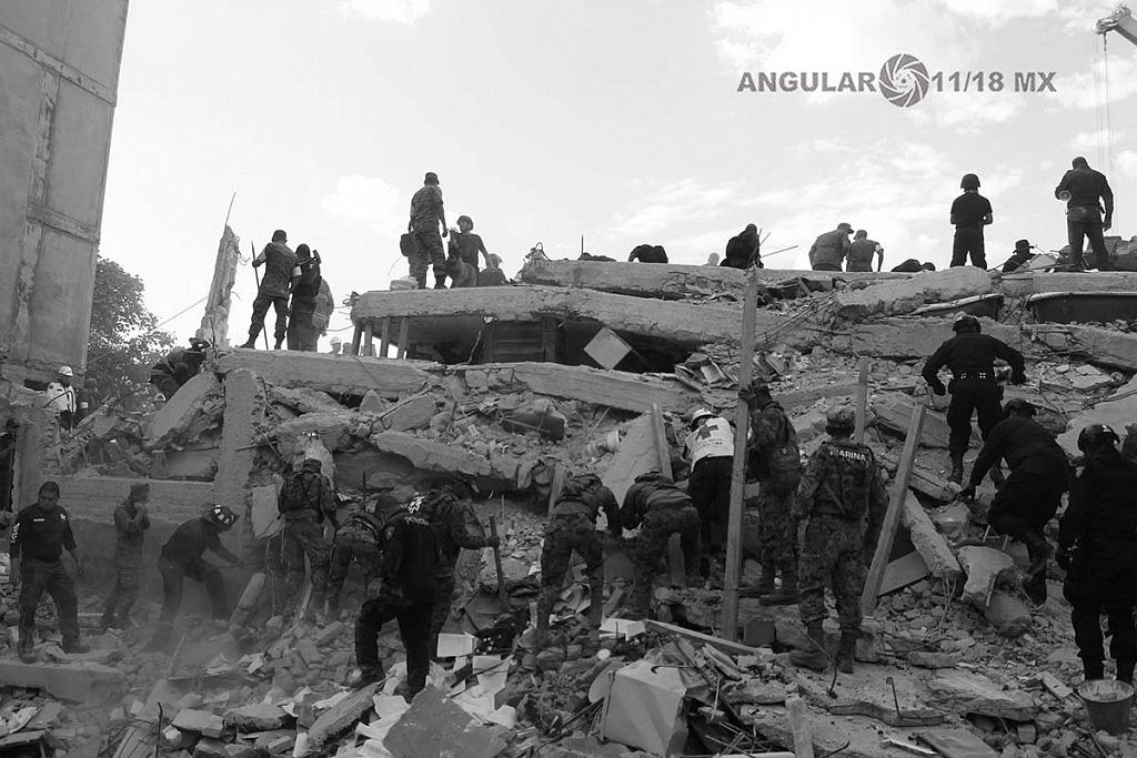 CDMX 19 de Septiembre de 2017 , cuerpos de rescate mejor conocidos como topos en busca de señales de vida ,tras colapsar edificio (fotos archivo)