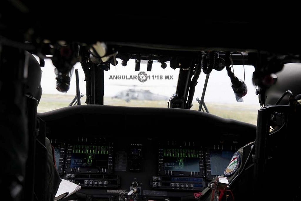 Cabina del Helicóptero UH-60M Black Hawk