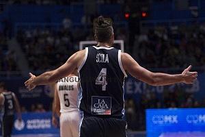 Luis Scola jugador histórico de argentina en el juego frente  a México rumbo al mundial de China
