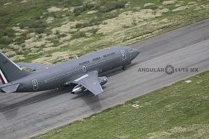 Parada aérea militar 2018 despegue de un avión de transporte de personal de la Fuerza Aérea Mexicana