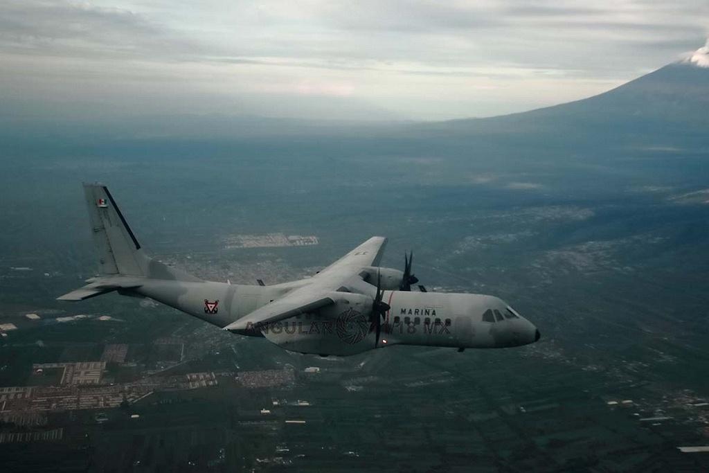 Parada aérea militar 2018, toma aérea de una aeronave de ala fija modelo C-295 casa,