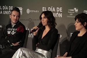 Sandra Echeverría acrtiz de la cinta el Día de la Unión en la presentación de la Pelicula 2