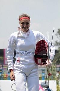 competidora alemana Rebecca Langrehr en la disciplina de esgrima, Mundial de Pentatlón Moderno Ciudad de México 2018