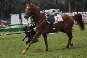 disciplina, equitación categoría femenil caída del caballo de la competidora 06 Mundial de Pentatlón Moderno Ciudad de México 2018