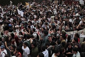 estudiantes marchan en ciudad universitaria el 5 de septiembre iniciando el recorrido en ciencias políticas concluyendo en rectoria 8