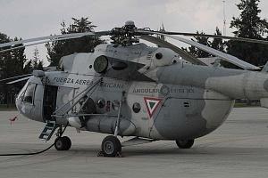 helicóptero MI-17 en la base aérea de Santa Lucia