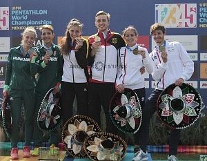 relevo mixto integrado por Fabian Liebig y Rebecca Langrehr, de Alemania se llevan la medalla de oro, del Campeonato Mundial de Pentatlón Moderno de la Ciudad de México