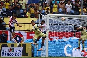 AMÉRICA y GUADALAJARA, empatan, 1-1, en el Súper Clásico Nacional