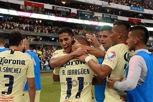 AMÉRICA y GUADALAJARA, empatan 1-1, en el Súper Clásico, Nacional festejo, del gol del América