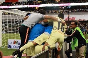 AMÉRICA y GUADALAJARA, empatan 1-1, en el Súper Clásico, Nacional festejo, del gol, del América