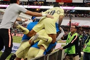 AMÉRICA y GUADALAJARA, empatan 1-1, en el Súper Clásico, Nacional festejo del gol del América