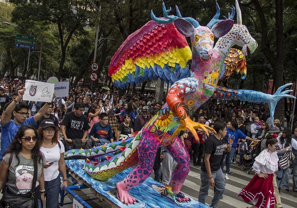 Alrededor de 200 alebrijes desfilaron por la Ciudad de México, este sábado, 20 de octubre de 2018