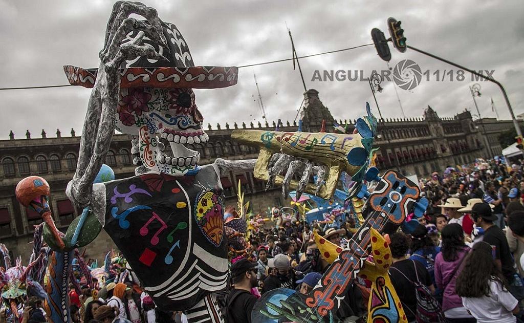 Alrededor de 200 alebrijes, desfilaron por la Ciudad de México, este sábado 20 de octubre de 2018