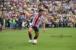 Brisuela Isac #11 jugador del Guadalajara en el súper clasico vs el América
