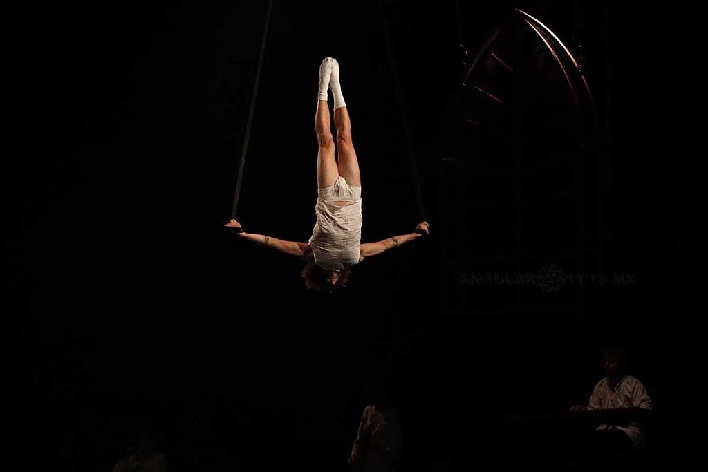 Cirque Alfonse de Canda presentó su espectáculo Tabarnak en el Teatro, Esperanza Iris de la Ciudad de México