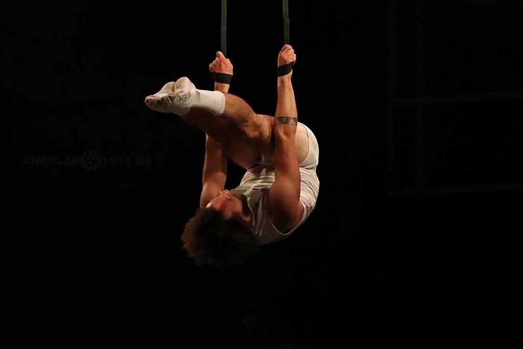 Cirque Alfonse de Canda presentó su espectáculo Tabarnak, en el Teatro Esperanza Iris de la Ciudad de México