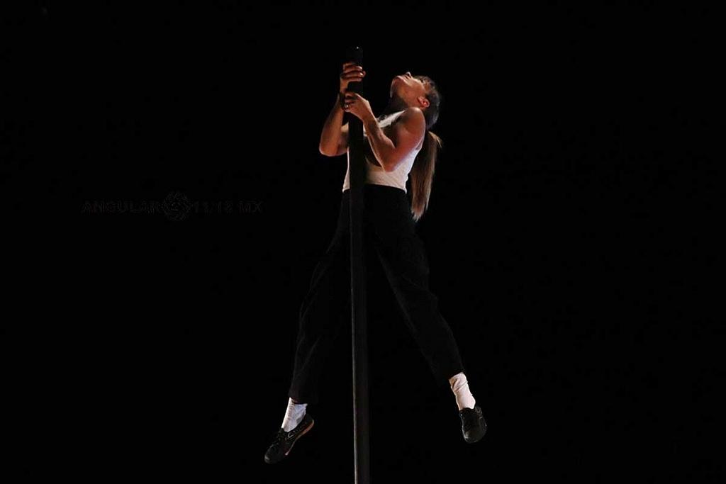 Cirque Alfonse de presentó, su espectáculo Tabarnak en el Teatro Esperanza Iris, de la Ciudad de México