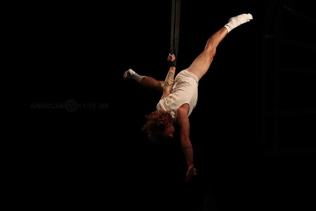 Cirque Alfonse, presentó su espectáculo Tabarnak en el Teatro Esperanza Iris, de la Ciudad de México
