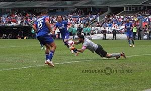Cruz Azul derrota a Monterrey (2-1) en la Jornada 12 del torneo Apertura 2018, de la Liga MX