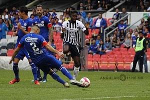 Cruz Azul derrota a Monterrey (2-1) en la Jornada 12, del torneo Apertura 2018 de la Liga, MX