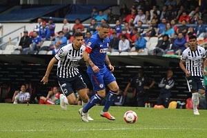 Cruz Azul derrota, a Monterrey (2-1) en la Jornada 12 del torneo Apertura, 2018 de la Liga MX