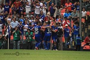 Cruz Azul derrota a Monterrey (2-1) en la Jornada 12 del torneo Apertura 2018, de la Liga MX Festejo del primer gol del Cruz Azul