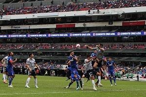 Cruz Azul derrota a Monterrey (2-1) en la Jornada 12 del torneo Apertura 2018 de la Liga MX arquero del Cruz Azul Jesus Corona