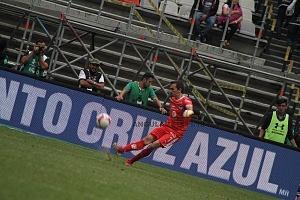 Cruz Azul derrota a Monterrey (2-1) en la Jornada 12 del torneo Apertura 2018 de la Liga MX arquero del Monterrey Marcelo Barovero