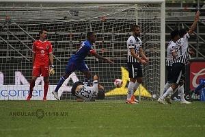 Cruz Azul derrota a Monterrey (2-1) en la Jornada 12 del torneo Apertura 2018, de la Liga MX primer gol del Cruz Azul