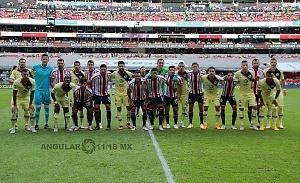 Foto oficial del súper clasico América vs Guadalajara en un abrazo fraternal fomentando de juego limpio